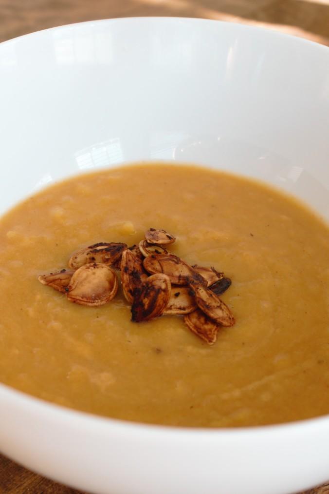Pumpkin Cheddar Soup | www.thebahamallama.wordpress.com