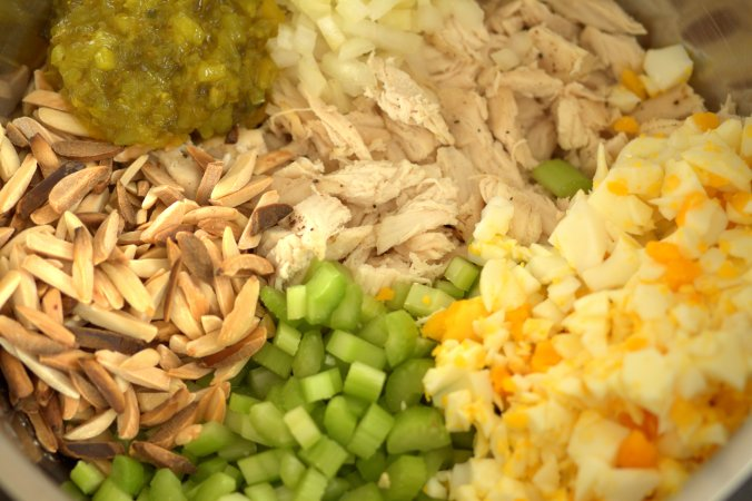 Mom's Chicken Salad | www.thebahamallama.com
