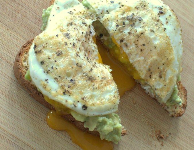 Avocado Toast with Eggs | www.thebahamallama.com