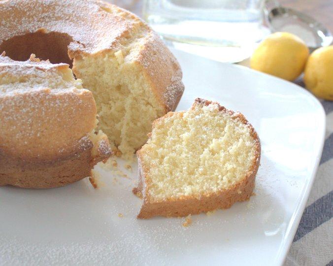Lemon Italian Cream Cake | www.thebahamallama.com